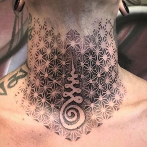 Tatuagens de pescoço exclusivas para homens