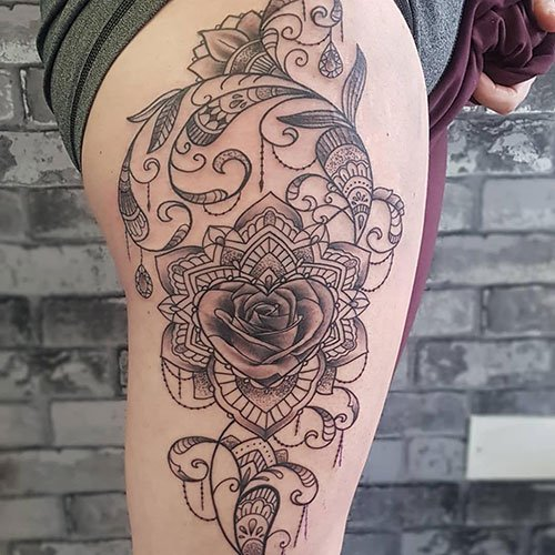 Full Thigh Tattoos For Females
