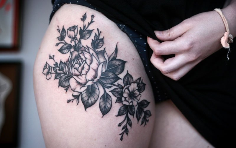 125 Best Thigh Tattoos For Women Cute Ideas Designs 2019