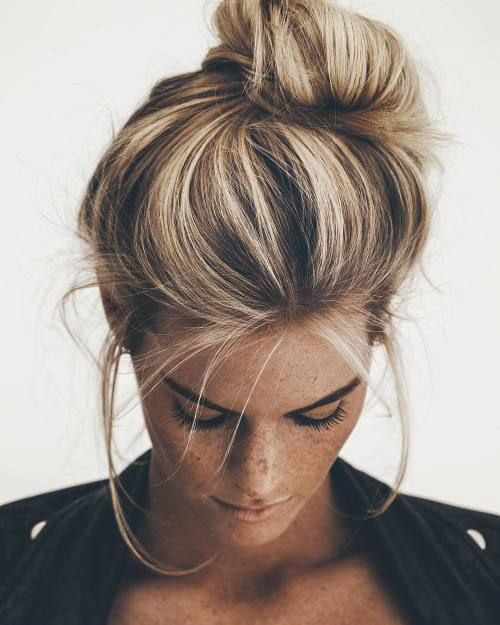 How To Make a Fashionable Bun