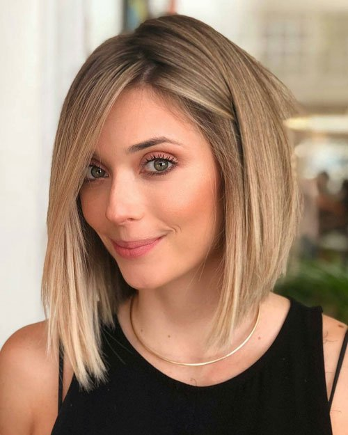 Reverse Bob with Side Bangs