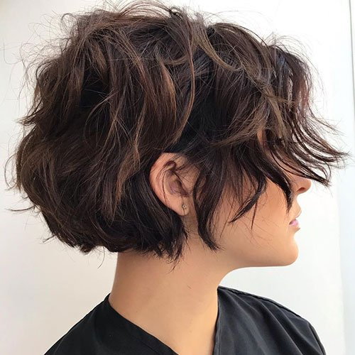 Wavy Short Layered Hair