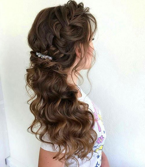 Bridesmaid Hair Curly Down To One Side Style