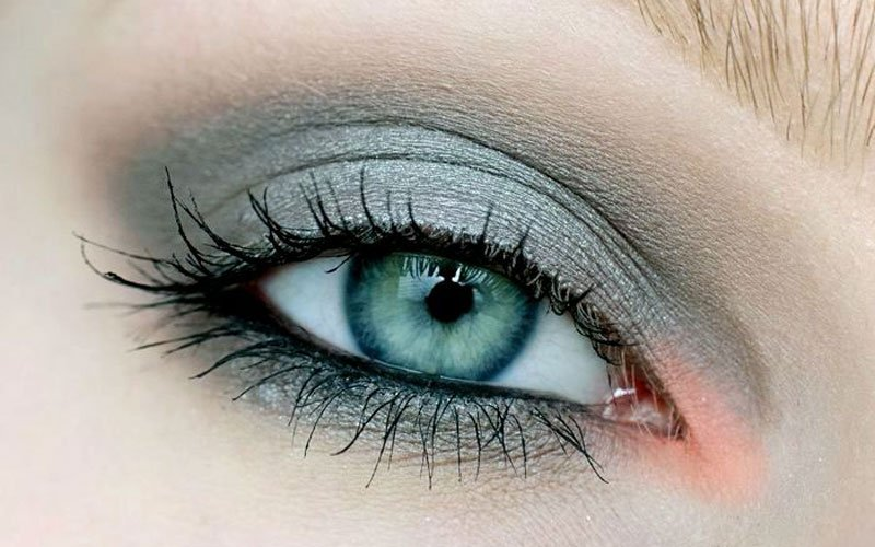 Grey Eyeshadow Blue Eyes