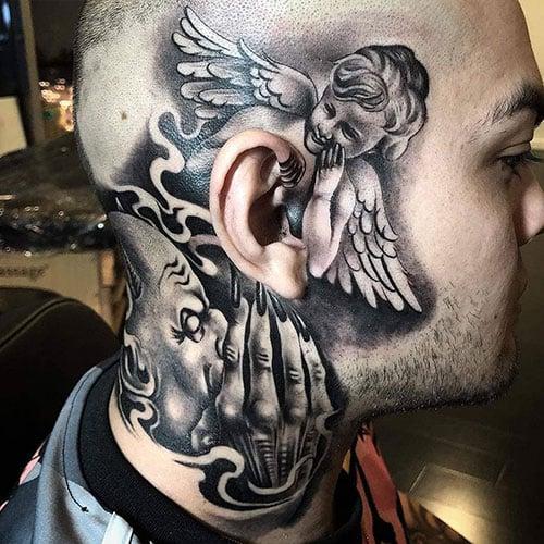 Tatuagem sussurrando de anjo e demônio no pescoço