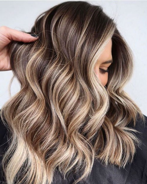 Blonde Highlights in Brown Hair