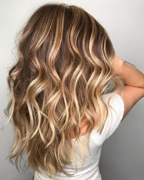 Caramel and Blonde Highlights on Light Brown Hair