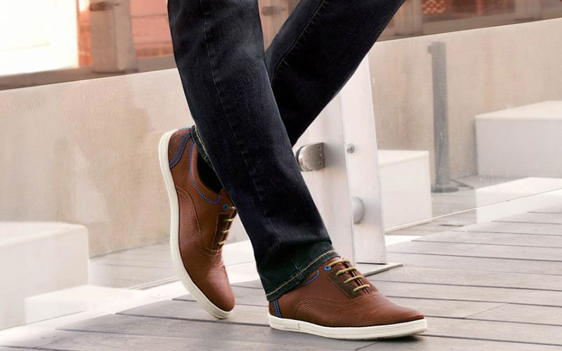 How To Wear Black Pants with Brown Shoes