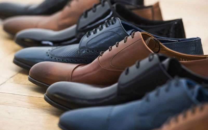What Color Shoes To Wear with Black Pants