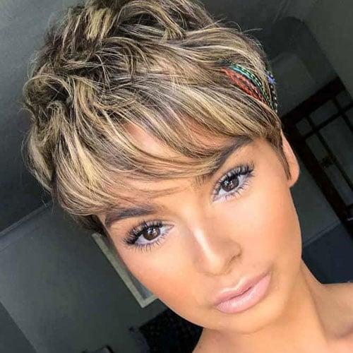 Cute Pixie Haircut with Highlights