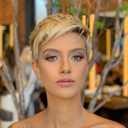 Short Blonde Hair Pixie Haircuts