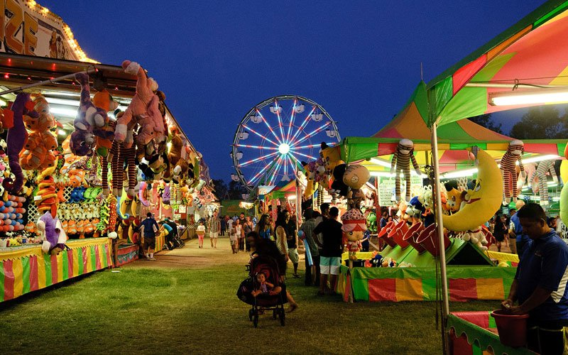 Take Her To The Carnival For A Fun Cute Date
