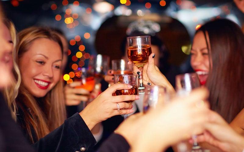 Girls Night At The Bar